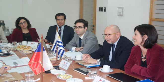 Chile y Uruguay cerrarían negociación para un TLC en julio de 2016