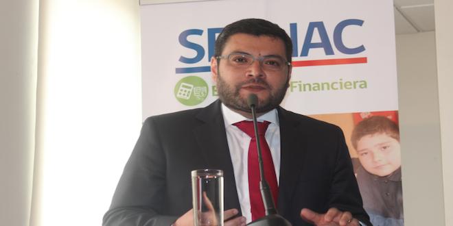 Sernac denuncia a farmacias por problemas con información a consumidores
