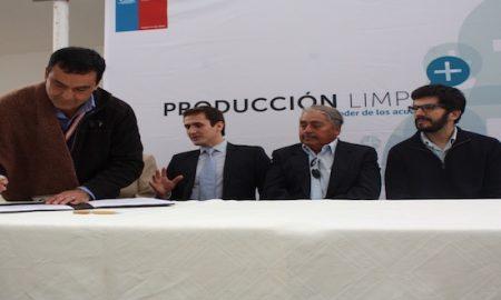 En Vallenar firman primer Acuerdo Voluntario de Preinversión (AVP)