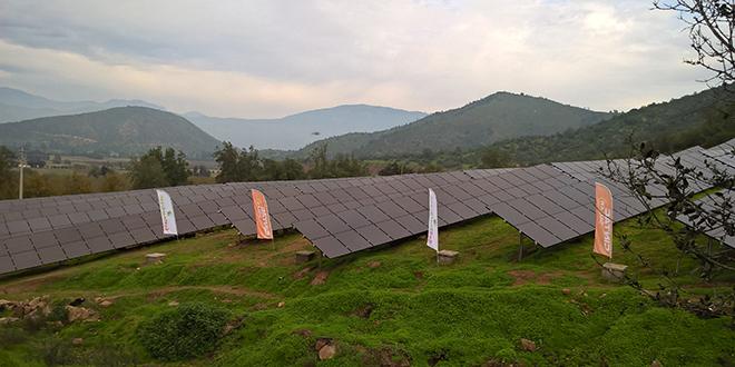"""Ministro de Energía inaugura planta solar """"Altos del Paico"""""""