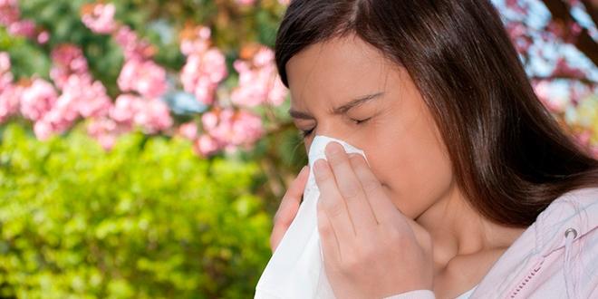 Expertos pronostican alza de polen y aumento de alergias en noviembre
