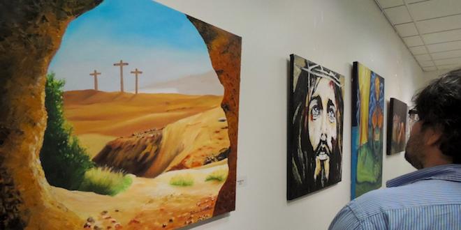 """Muestra """"Cristo en el Arte"""" conmemora Semana Santa en la UCN"""