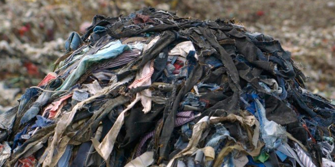 La vergonzosa quema de ropa en pleno desierto de Atacama