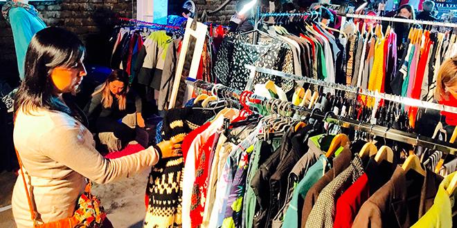 Traperas, la feria de reciclaje de ropa y accesorios que recorre Santiago