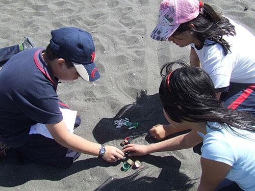 Playas chilenas continúan con altos niveles de basura