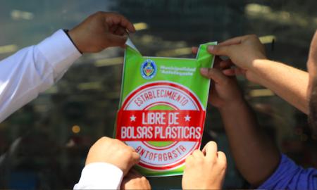 Antofagasta reduce uso de 120 millones de bolsas plásticas en un año