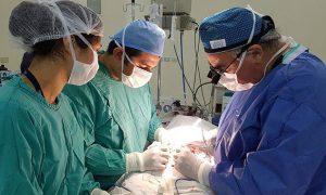 Médicos voluntarios combaten listas de espera de cirugías pediátricas