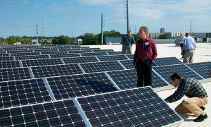 Experto señala que la banca necesita capacitarse en proyectos energéticos