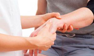Los síntomas del Parkinson que suelen pasar desapercibidos