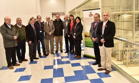 Destacan ejemplo exitoso de cooperativismo de empresa Colun