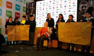 """""""Camiseteados"""": el concurso para chilenos que hacen cosas extraordinarias por los demás"""