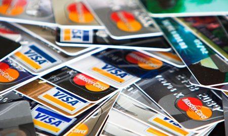 Superintendente de bancos califica como grave hackeo de tarjetas de crédito