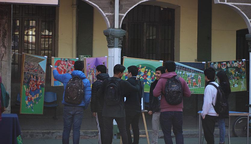 Feria de libros, arte gráfico y coleccionistas sobre fútbol en Campus Santiago de la UV