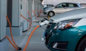 Proyecto inmobiliario incluye estacionamientos para autos eléctricos