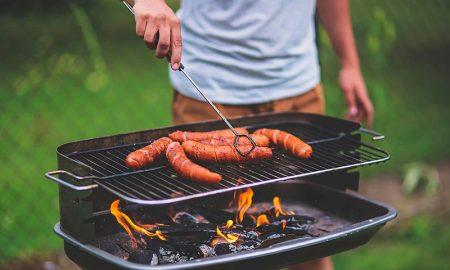¿Cuál es el riesgo de comer carne mal cocida?