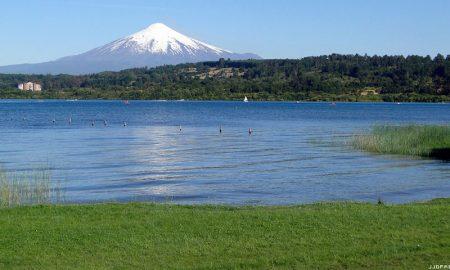 """Experta ambiental: """"La condición de saturación del lago Villarrica es una contaminación agravada"""""""