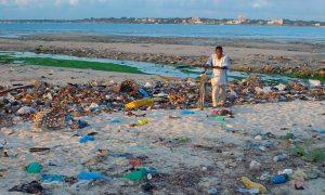 Doble problema: plástico emite potentes gases de efecto invernadero