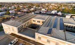 Precios de sistemas solares fotovoltaicos para autoconsumo caen hasta 18% en Chile