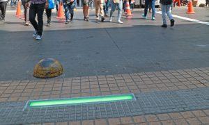 Antofagasta innova con semáforo de piso para seguridad de peatones
